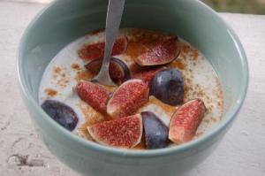Breakfast of Champions: Fresh figs, yogurt, cinnamon and honey